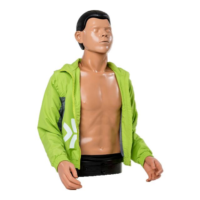 Övningsdockan AmbuMan Wireless med armar iklädd en grön jacka